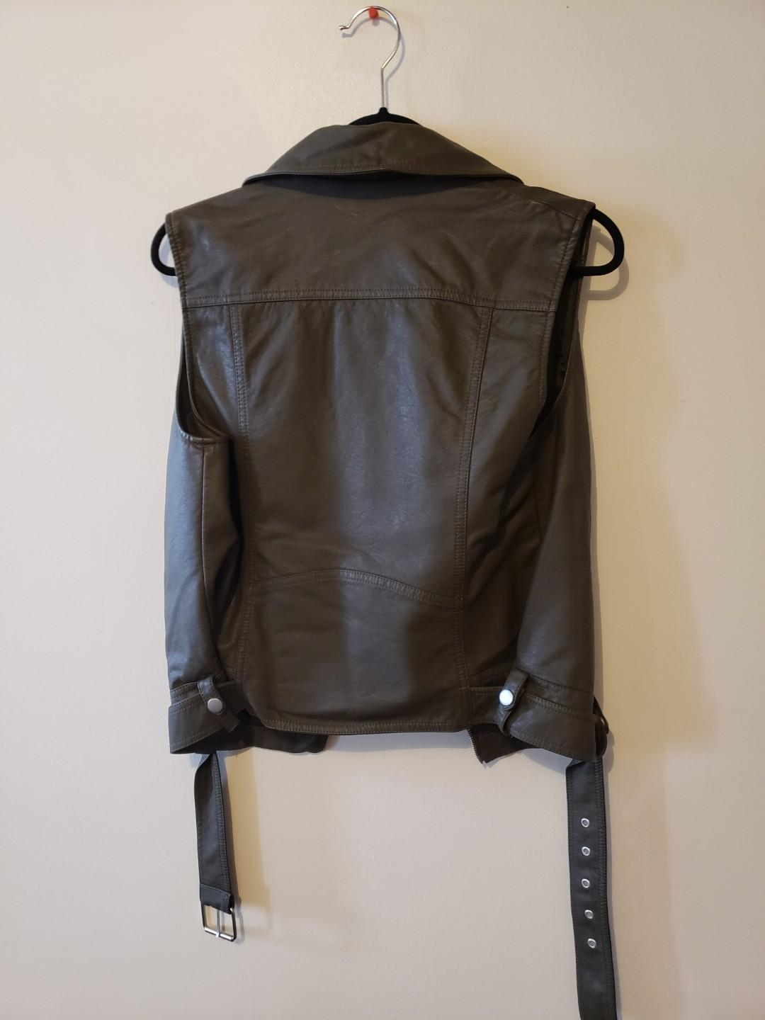 BRAND NEW FOREVER 21 ARMY GREEN JACKET