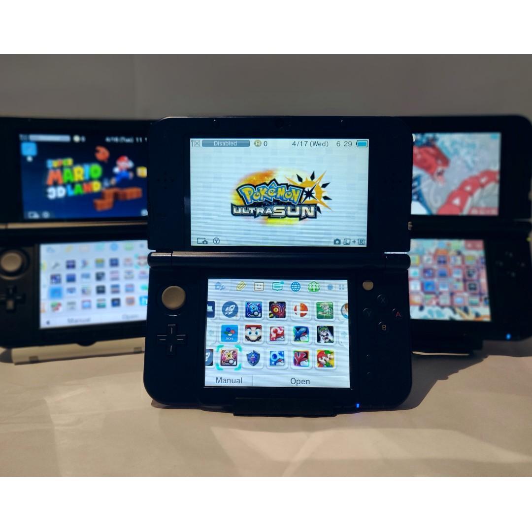 Nintendo 3ds + Pokemon Ultra Sun + 800 Games + Charger + Case