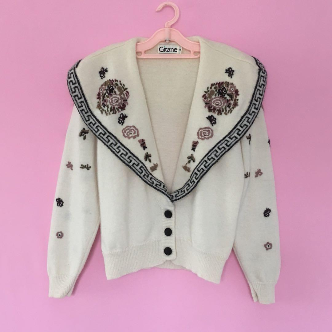 Perfect 80's vintage embroidered wide collar cardigan