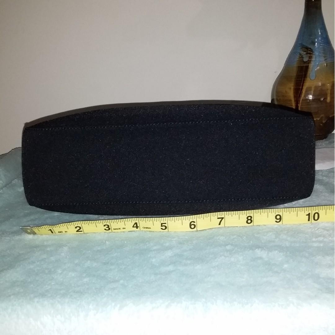 Pre owned authentic SALVATORE FERRAGAMO crossbody/shoulder bag