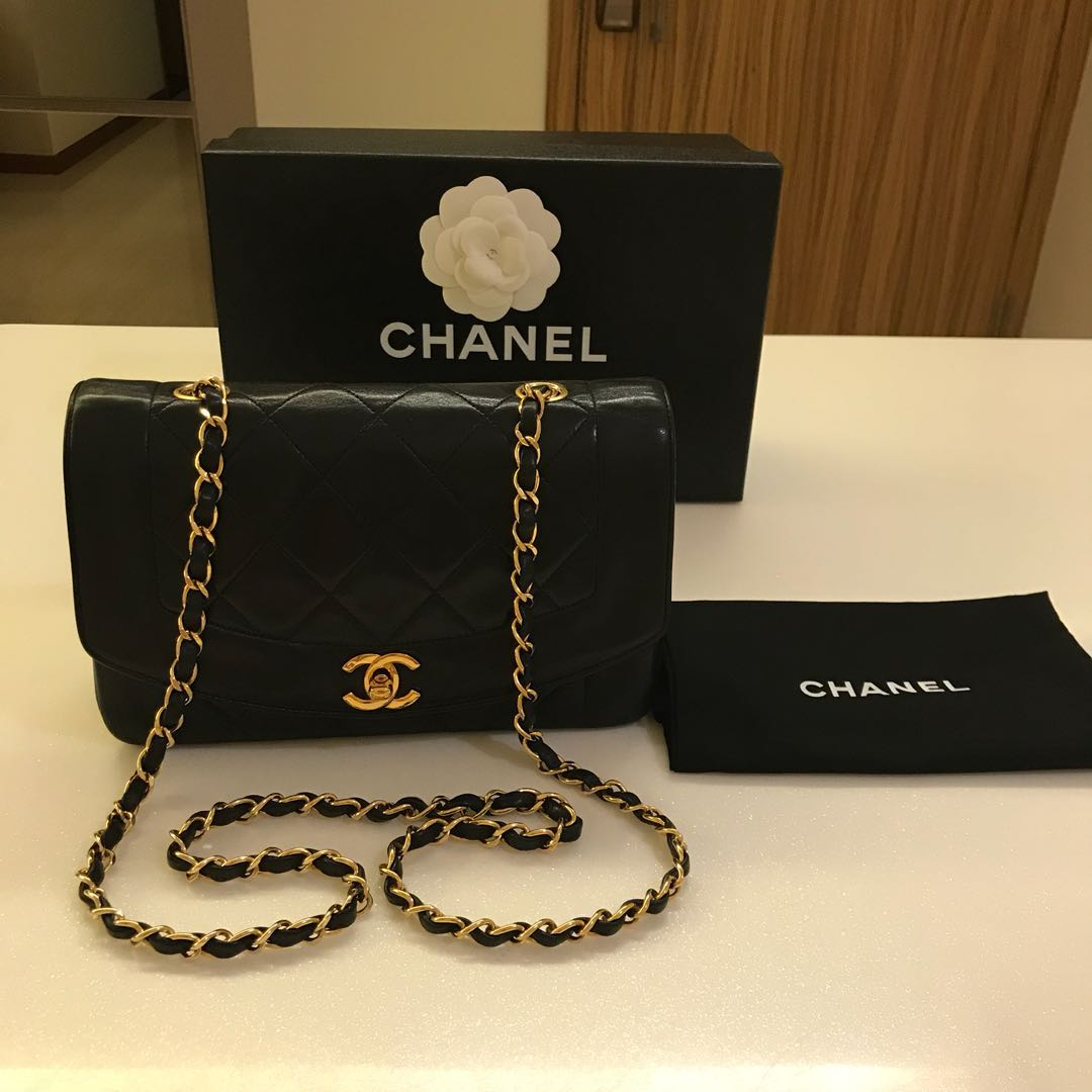 e05bfb0928a2 RESERVED* Authentic Full Set Chanel Classic lambskin 22cm diana flap ...