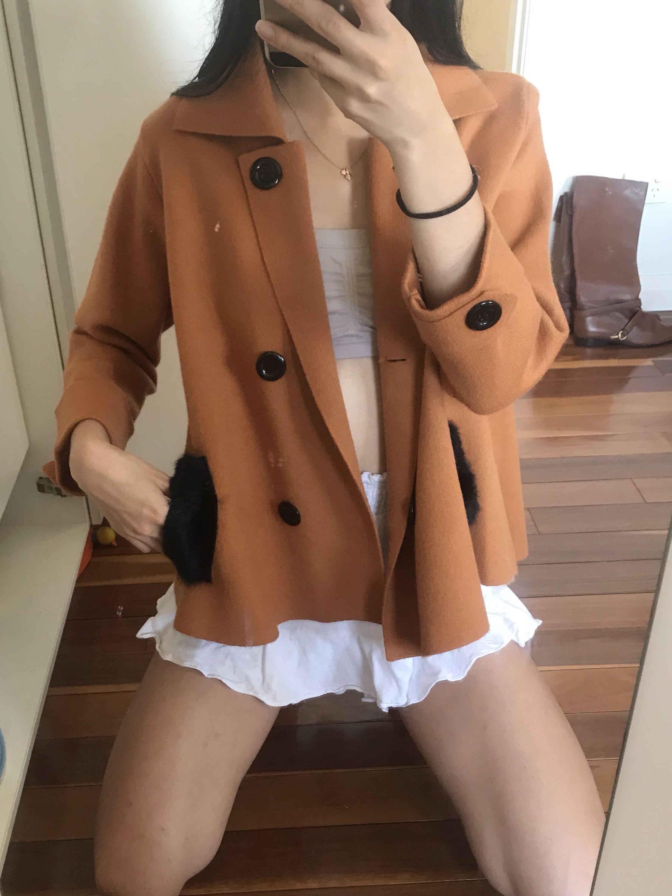 Vintage tan caramel coloured button fur pocket jacket size small