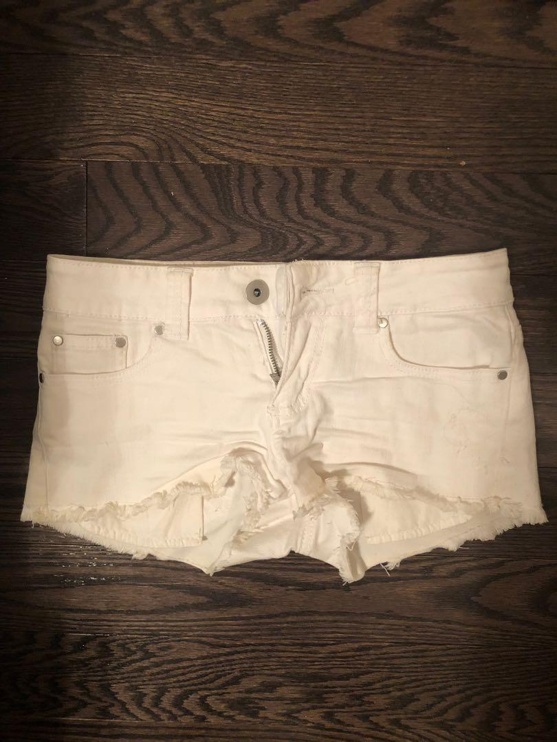 White denim shorts size 25