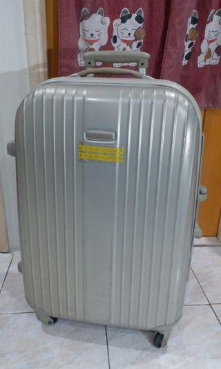 "Eminent Luggage 25""good brand"