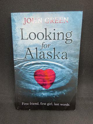 English Book: Looking For Alaska