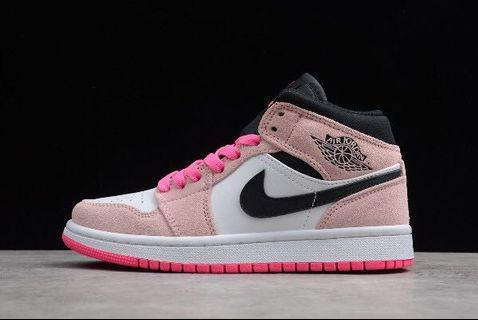 🚚 Air Jordan 1 crimson tint