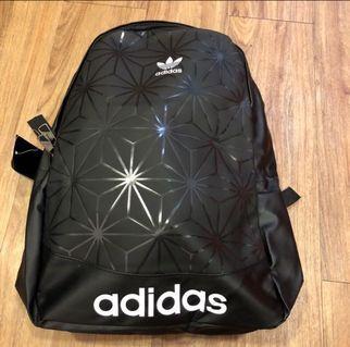 全新愛迪達 adidas logo大容量格紋菱形幾何圖印雙肩包/後背包(黑)