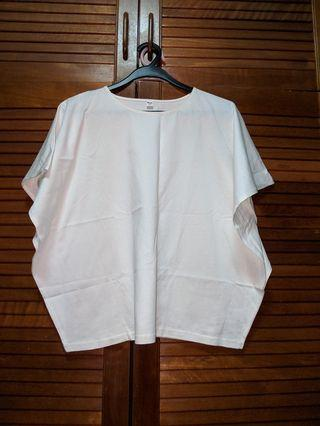 🚚 Uniqlo White Butterfly Sleeve Top #EndGameYourExcess