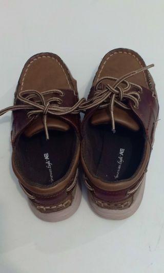 Sepatu Coklat, formal, buat kondangan