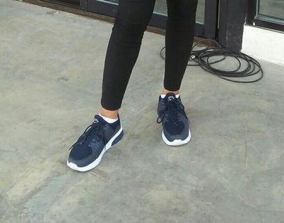 Sepatu spike
