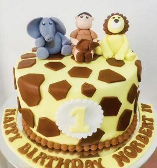 🚚 Safari Themed Cake and Cupcakes