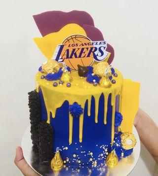 🚚 LA Lakers Themed Cakes