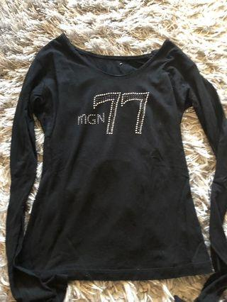 1977 black long sleeve shirt size small