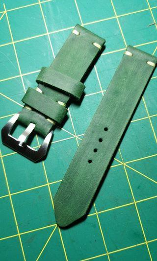 🚚 22mm handmade leather strap