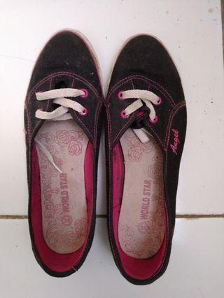 Sepatu / flat shoes hitam