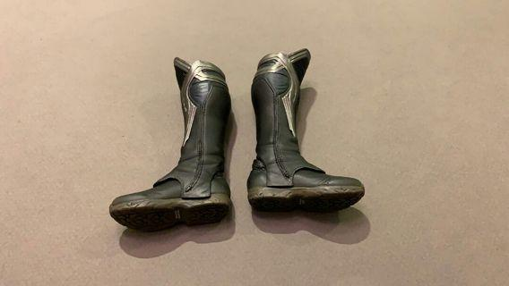 Hot toys 1/6 scale avengers thor leg boot