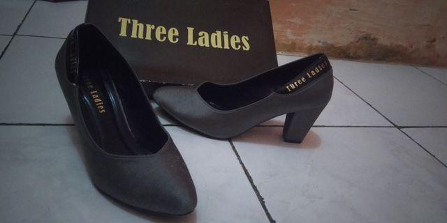 Sepatu heels Three Ladies