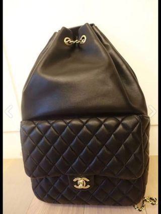 Chanel 黑色經典後背包