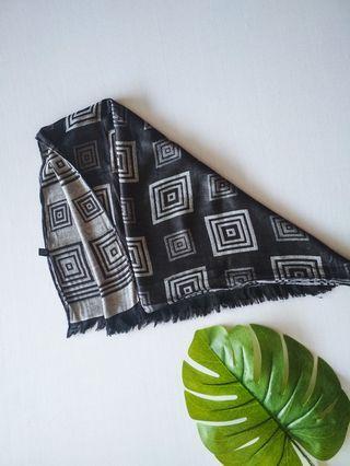 Arabic shawl