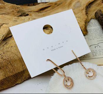 韓國垂吊型笑哈哈耳環(玫瑰金色)