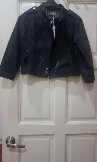 Black denim top (7-8yo)