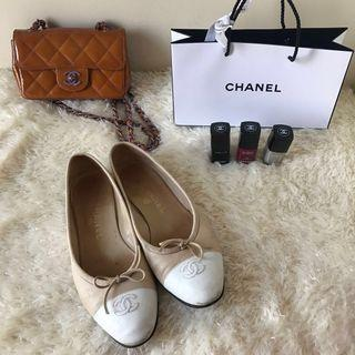 CHANEL Ballerinas 39 Beige Ballet Flats with White Cap Toe Classic Ballet Shoes PLUS Free CHANEL Nail Polish *REPRICED*