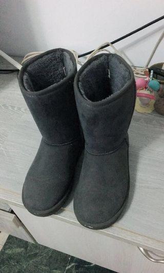 🚚 冬天必備雪靴(降價!)