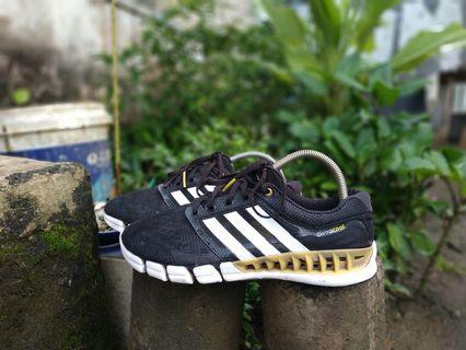 Sepatu Adidas Climcool original size 42 41