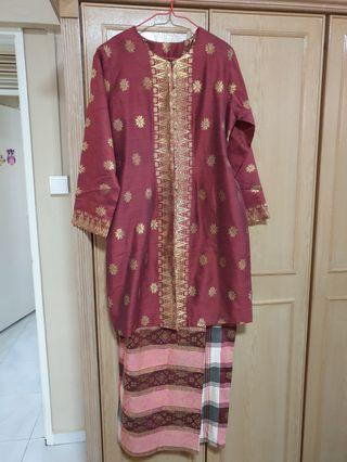 🚚 Baju raya songket - maroon