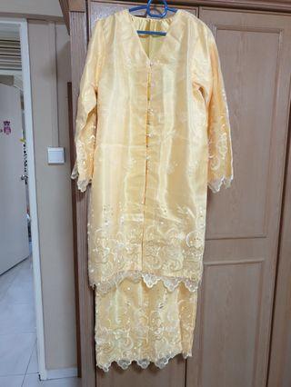 🚚 Kebaya lace - light yellow