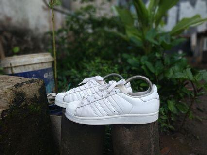 Sepatu adidas superstar full white size 39 40
