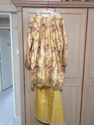 Baju Kurung Lace - gold