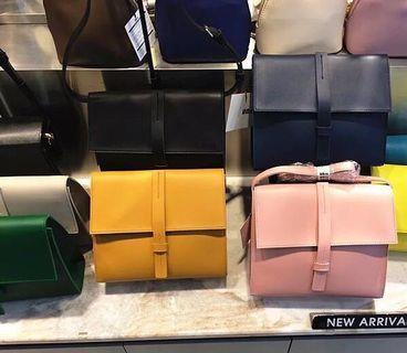 國預購🇰🇷UnITA新款女包斜跨單肩包純色百搭小包休閒時尚