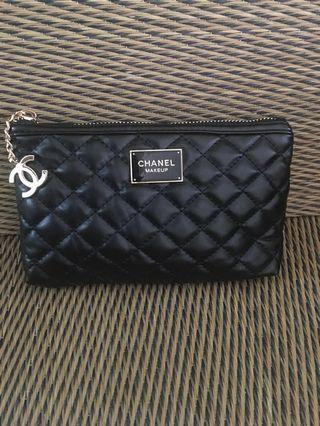 Chanel Diamond Quilted Leather Clutch (Small)