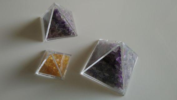 🚚 細粒寶石能量金字塔
