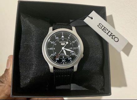 Seiko 5 Automatic 21 Jewels Military Men's black Watch