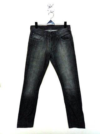 30腰 Levi's 504 黑鐵灰色 修身牛仔褲 (190414)