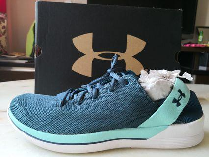 UNDER ARMOUR Training Shoes US 9.5, UK 7 Original Preloved