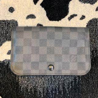 Louise Vuitton pouch