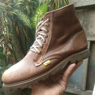 Sepatu Boots country boot leather