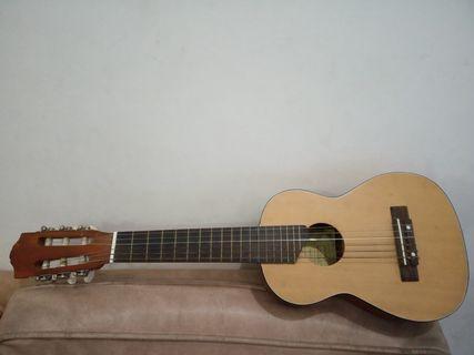 Gitar kecil