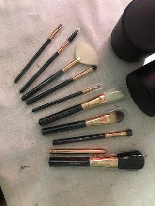 (REDUCED PRICE) Basic Makeup Brushes