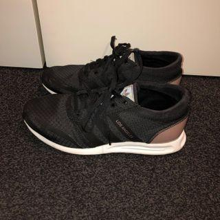 BRAND NEW Adidas Los Angeles sneakers