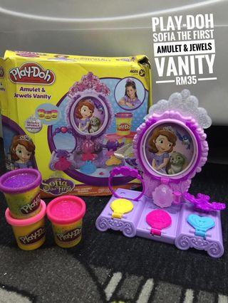 Play Doh Sofia the first