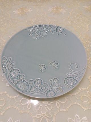 凸凹立体豆青纯手工制作盘子一个
