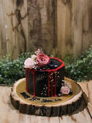 Black & Red floral themed Cake, Floral Cakes, Customised Cakes, Ladies' Cakes