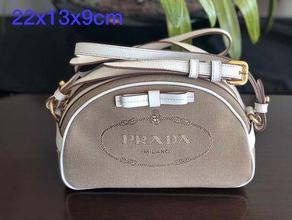 ccf9c7d8088afe prada | Luxury | Carousell Indonesia