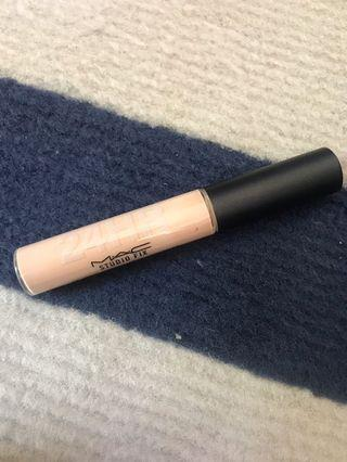 Mac nw24 studio fix concealer