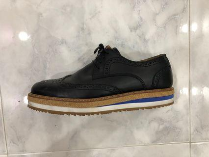 🚚 #EndgameYourExcess Rovers by Landrover Oxford shoes US9.5