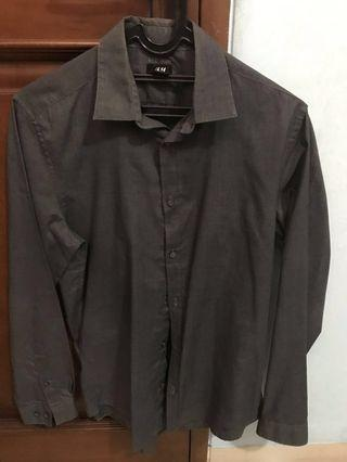 H&M shirt kemeja black dark grey hitam abu not uniqlo